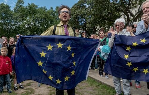 Rút khỏi EU, Anh có thể làm đảo lộn trật tự thế giới
